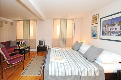 Room Ana