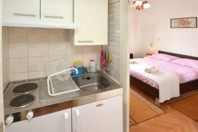Studio Apartment Rina 2